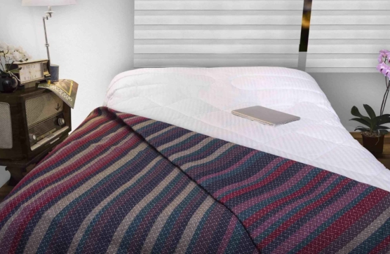 Hypoallergenic Deluxe Jacquard-knitted Peruvian Alpaca bed blankets, 235×235 cm, 3.5kg, Thermo, Sustainable fiber