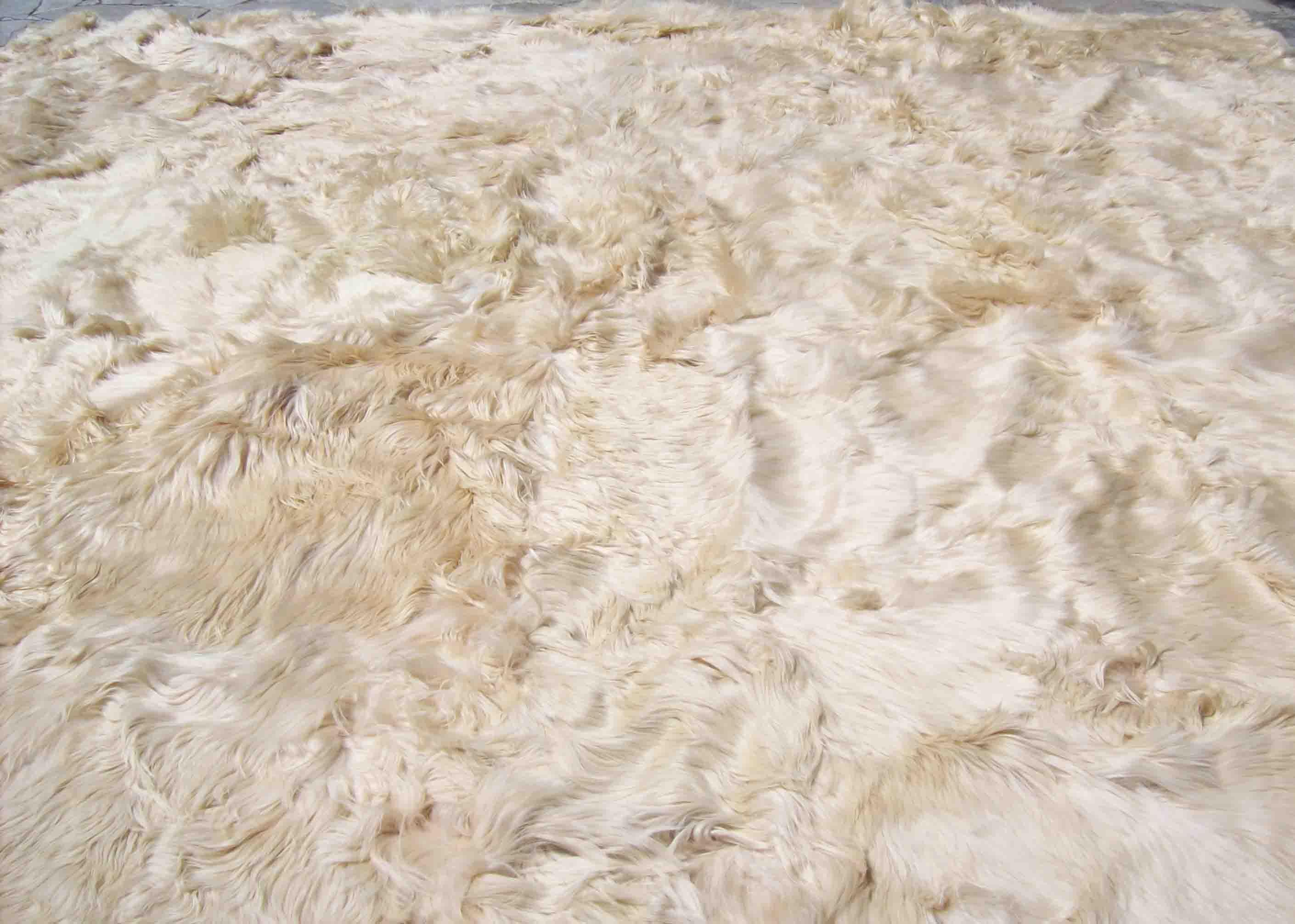 100 suri baby alpaca bedspread carpet rug 200 x 200 cm for The rug company rugs