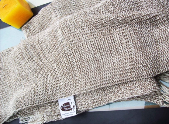 Peruvian Royal Alpaca throw blanket_crochet knit_beige_white_v1_sddd