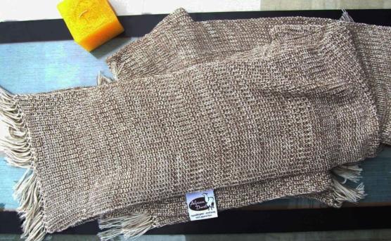 Peruvian Royal Alpaca throw blanket_crochet knit_beige_white_v6_sddd