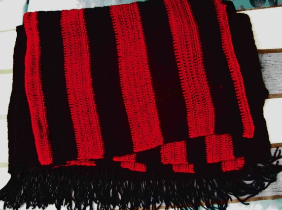 Peruvian Baby Alpaca Throw blanket Extra-single-size Crochet knit_black_red-v4_sd
