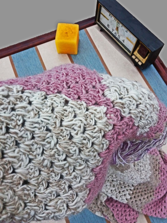 Royal Alpaca Throw blanket_ v222 pink-beige-ivory_crochet_ v222_sd