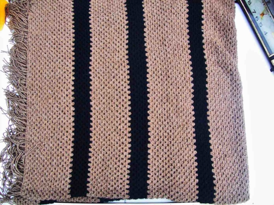 Baby Alpaca throw blanket crochet-knit_ beige_blck_stripes_v2_sd
