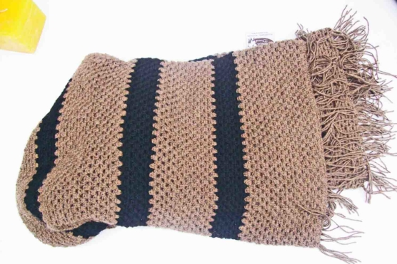 Baby Alpaca throw blanket crochet-knit_ beige_blck_stripes_v4_sd