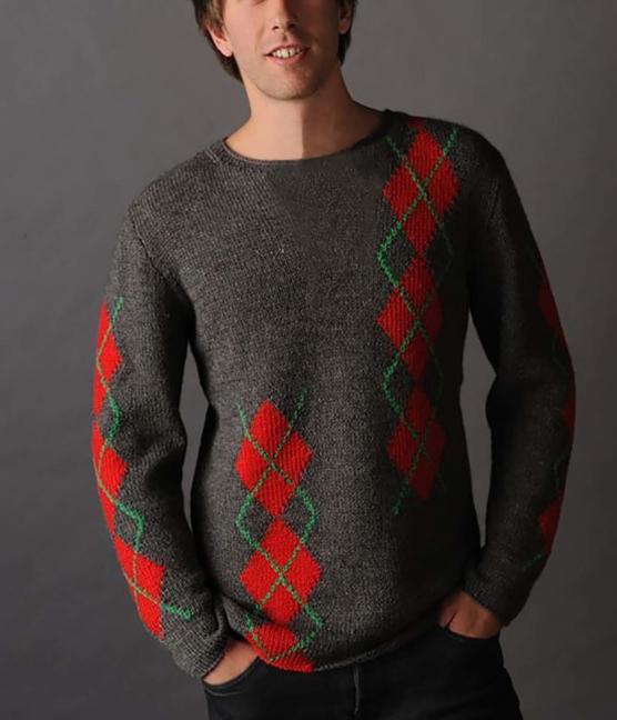 Baby Alpaca Sweater Diamonds_brown_red diamonds_v1_SDDD1