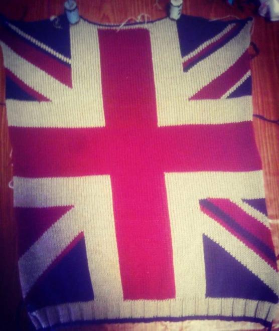 Royal Alpaca sweater british flag pattern V-neck_sd