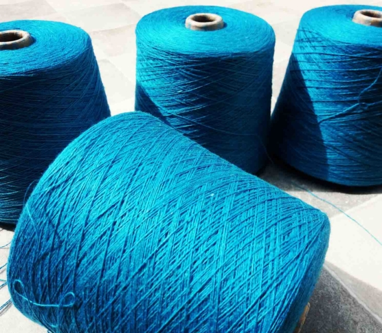 Turquoise_royal_alpaca_pima_yarn1_sd