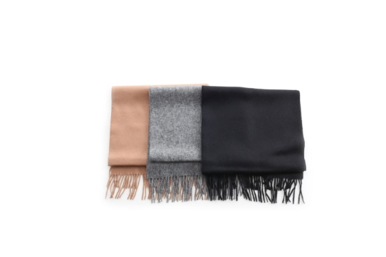 group_plain_scarves11