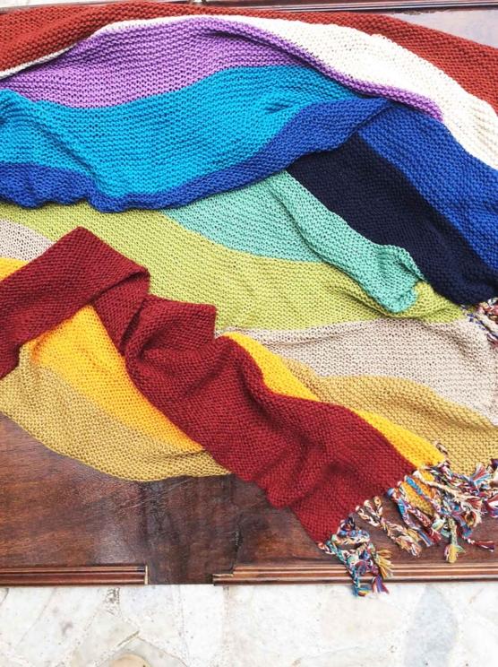 IMG_4126 Royal alpaca throw blanket handknitted_ Rainbow_AMZN155555 sd3333