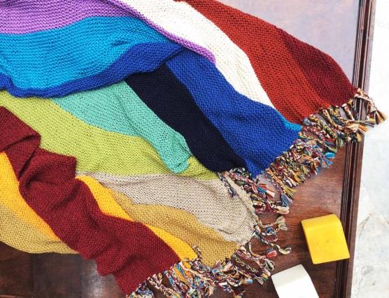 IMG_4127 Royal alpaca throw blanket handknitted_ Rainbow_AMZN777 sd4444