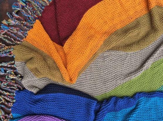 IMG_4132_Royal alpaca throw blanket handknitted_ Rainbow_AMZN111 sd888